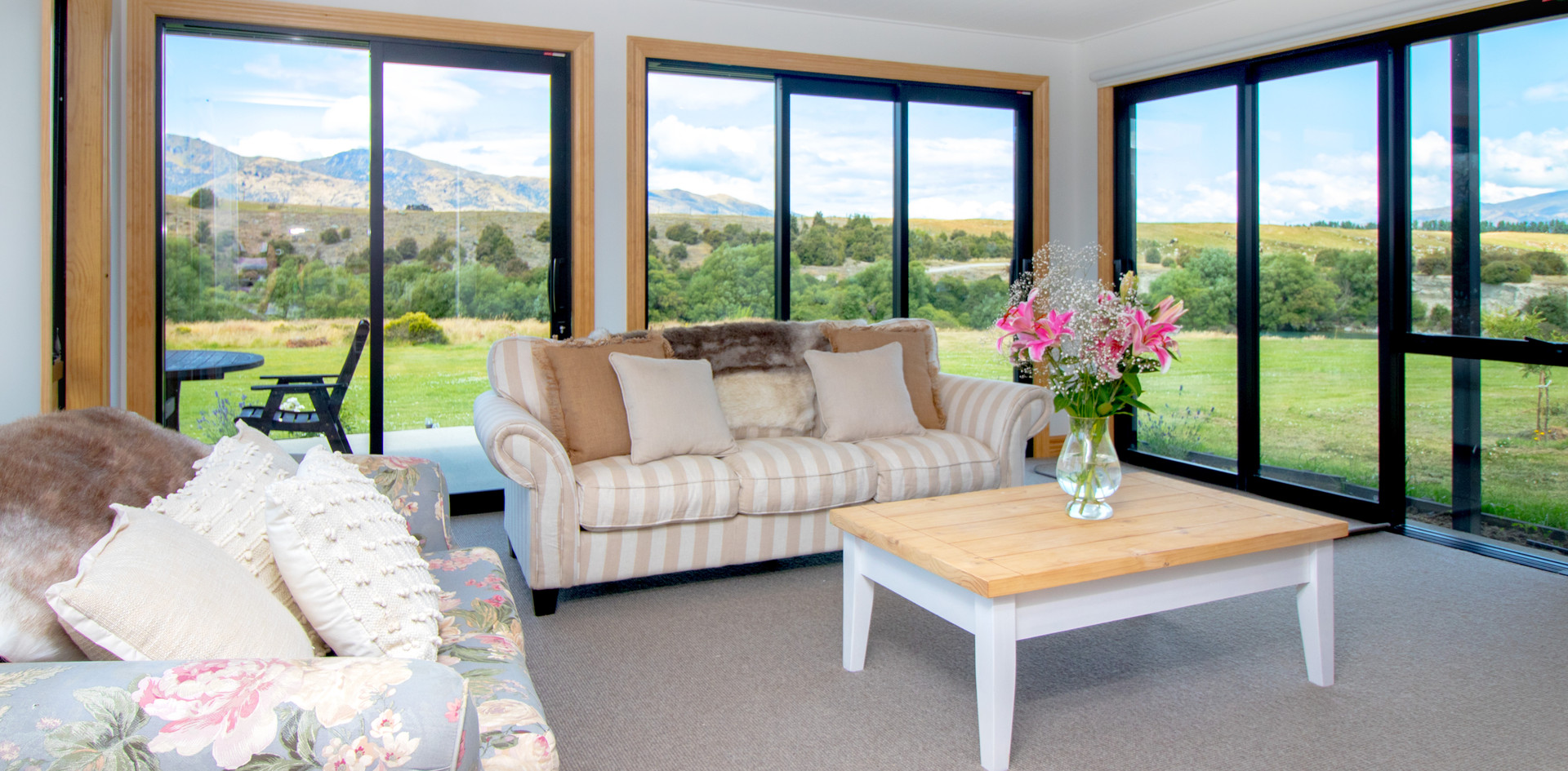 Luxury Accommodation Te Awa Lodge Hawea