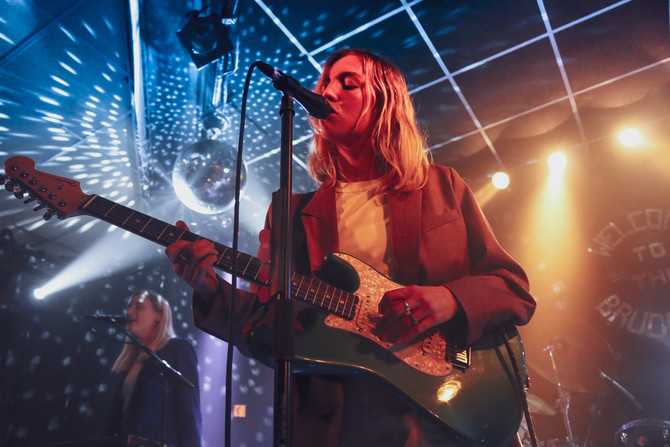 LIVE IN PICTURES: JAPANESE HOUSE