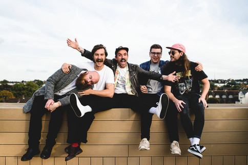 INTERVIEW / IDLES