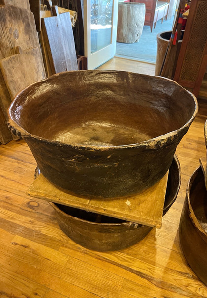 Early Large Sacoj Ceramic Vessel