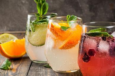 Cocktails-1050x550.jpg