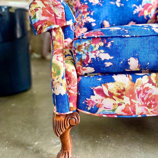 Sapphire Floral Wingback