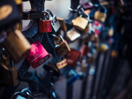 Lightweight Kubernetes GitOps Secrets