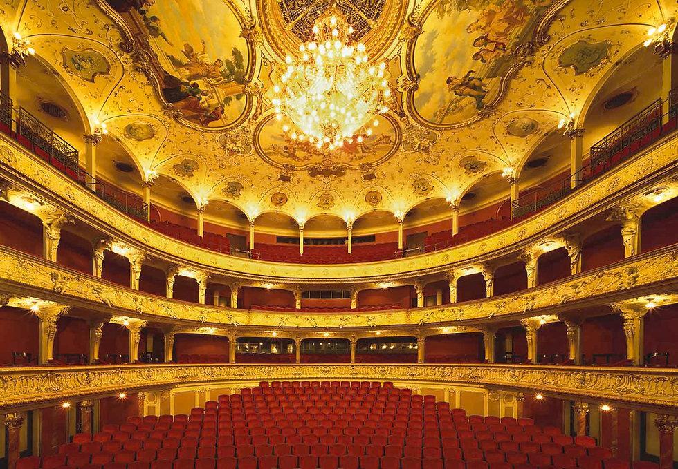 Opernhaus Zürich.jpg