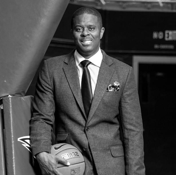 BASKETBALL COACH LEVELLE MOTON HAS SIGNED WITH TLS TALENT AGENCY
