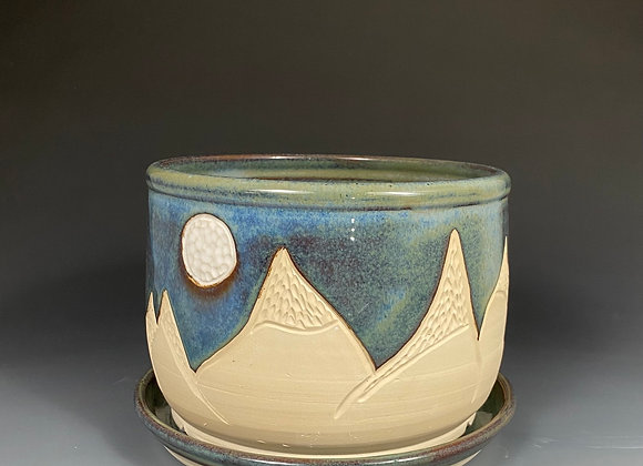 Mountain and moon pottery planter with plate