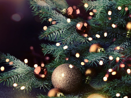 6 Tips for Decorating a Christmas Tree