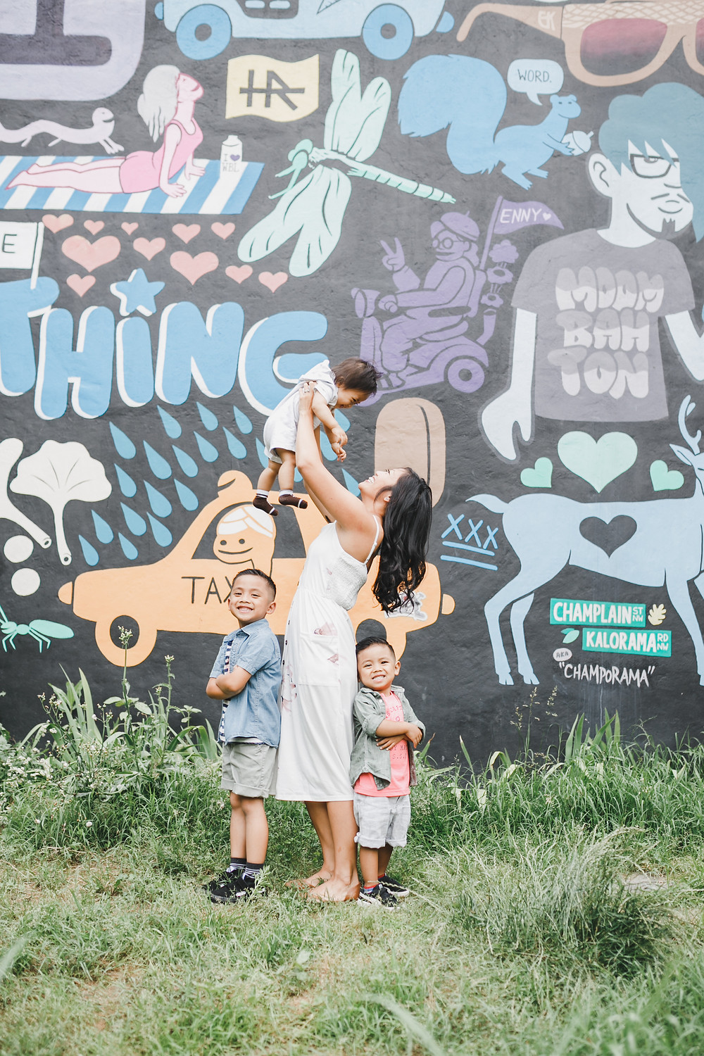 """""""every day i see something new"""" adams morgan mural in DC // family pictures by marla thach photography - northern virginia photographer // sunnyinjune.com"""