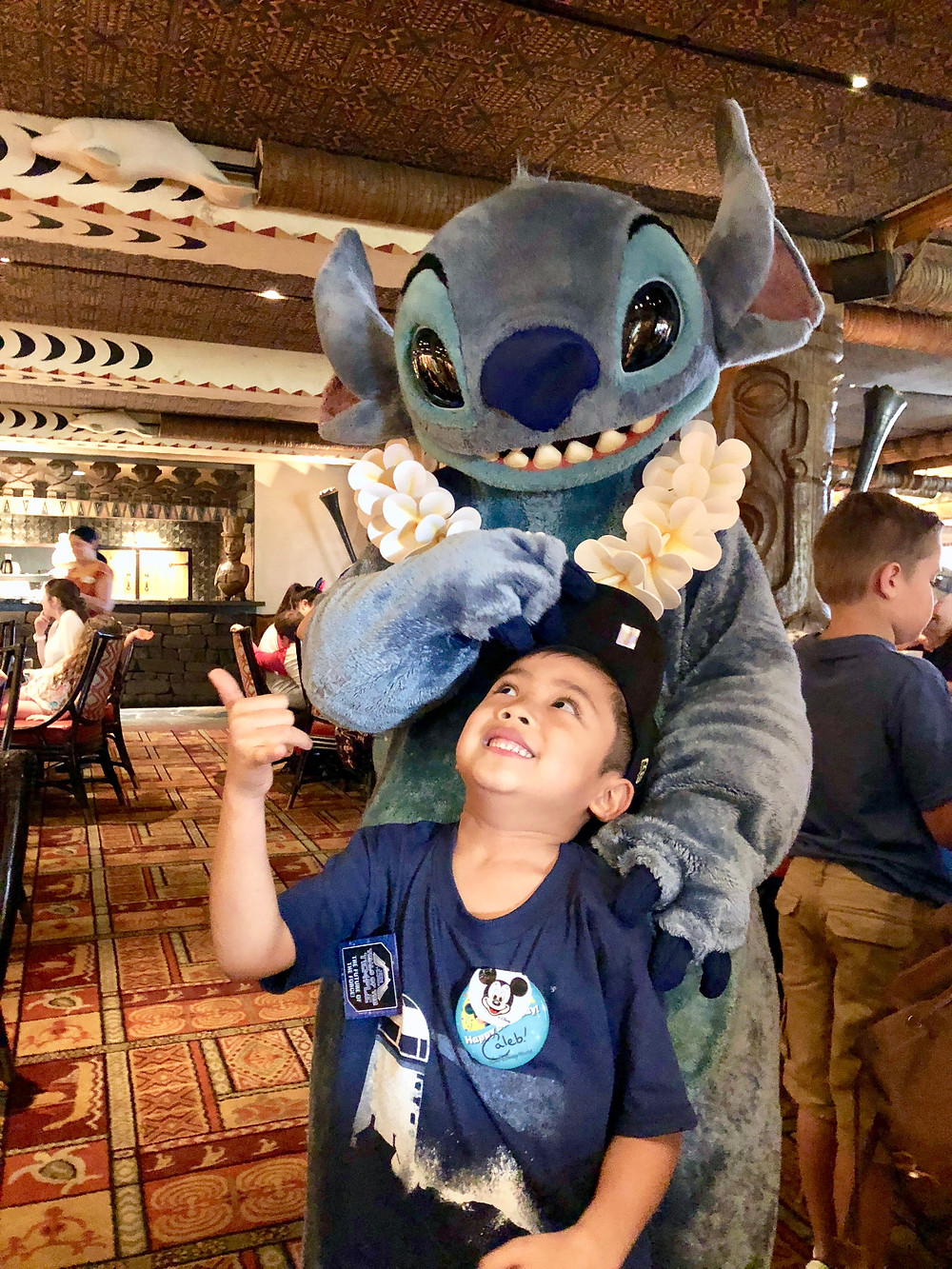 Disney World Trip Character Breakfast // Disney's Polynesian Resort with Stitch // sunnyinjune.com