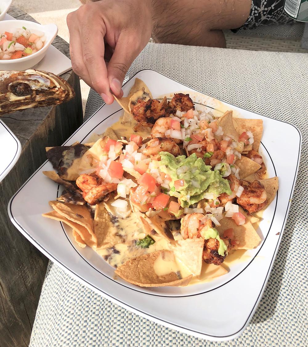 poolside eats: shrimp nachos - unico 20 87 // sunnyinjune.com