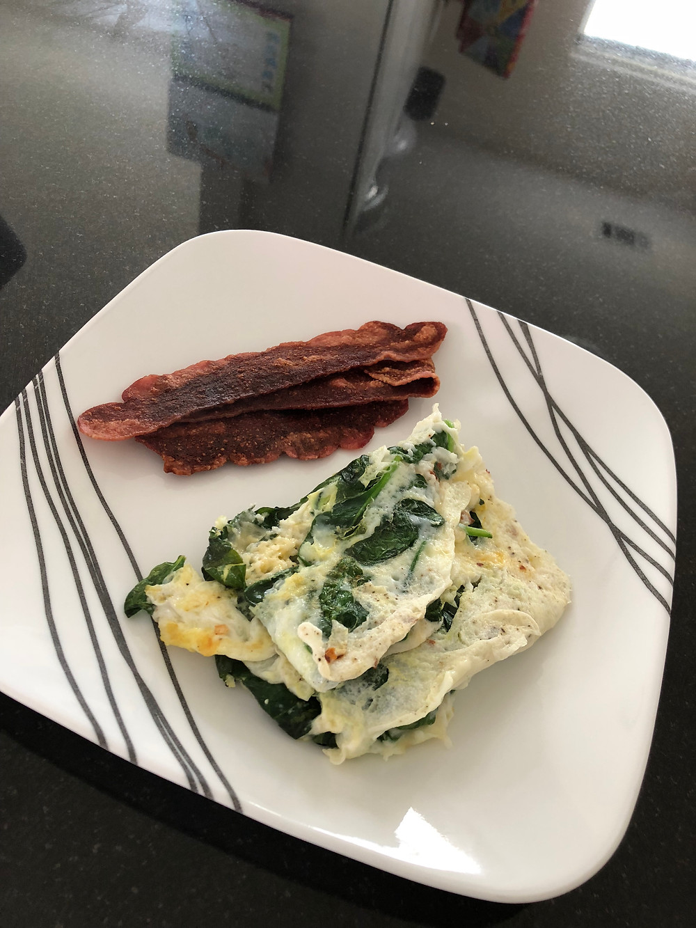 sample menu and sample eating schedule for intermittent fasting // sunnyinjune.com