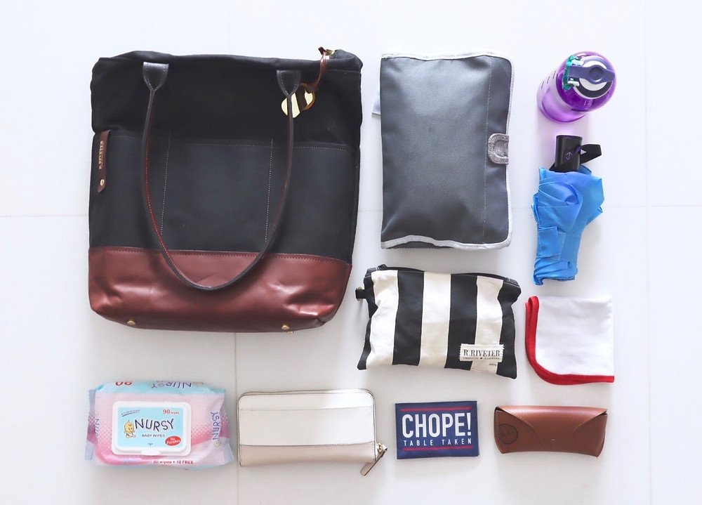 my every day carry - what's in my bag: from a mom of three // sunnyinjune.com