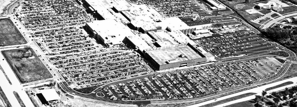 Sept 8 1970_Southridge Center Opens.jpg