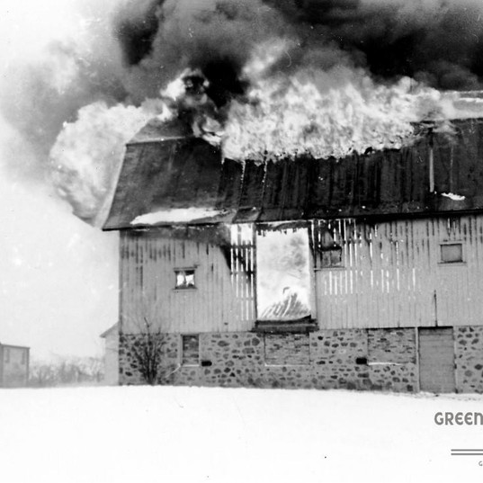 Jan 21 1949_Clover Lane Barn Burns.jpg