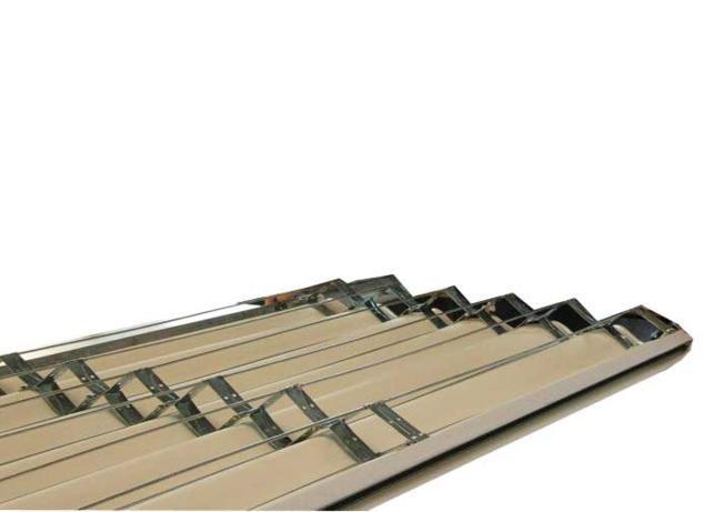 Porta a soffietto particolare dell'intelaiatura interna in acciaio zincato - modello ladyport