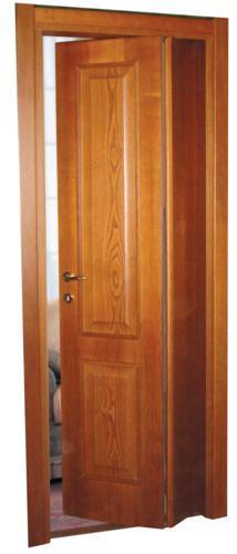 Porta asimmetrica con due spechiature con bugne diamantate