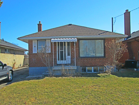 Just Listed, Beautiful 4 Bedroom Bungalow In Toronto!