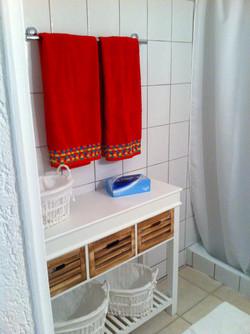 Salle-de-bains avec douche