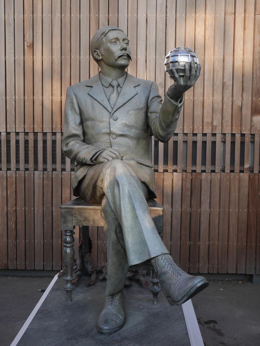 H.G. Wells Statue