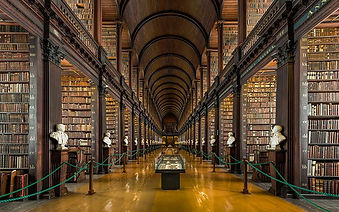 Long Room, Trinity College 1.jpg