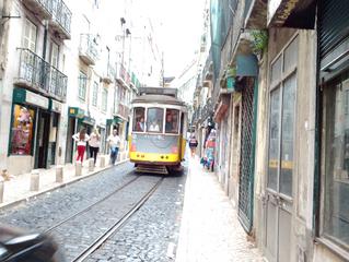 Elétrico 28 e minhas incursões por Lisboa