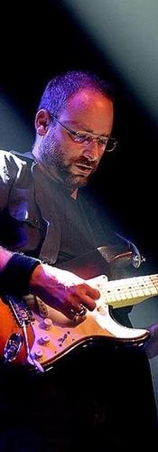 Marco Mensen (lead gitaar)