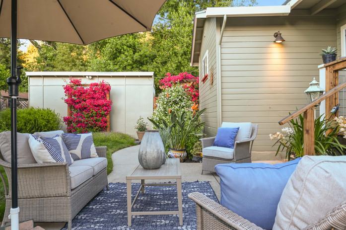 patio seating.jpg