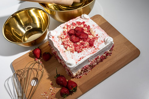 Strawberry Crumble Cake