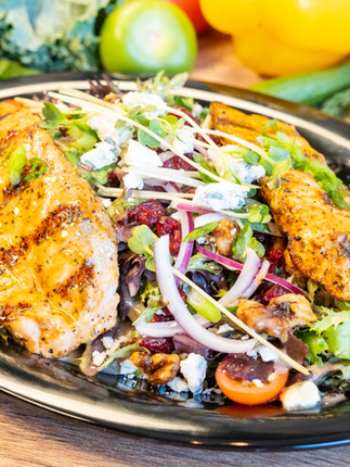 Grilled Salmon Salad_1.jpg