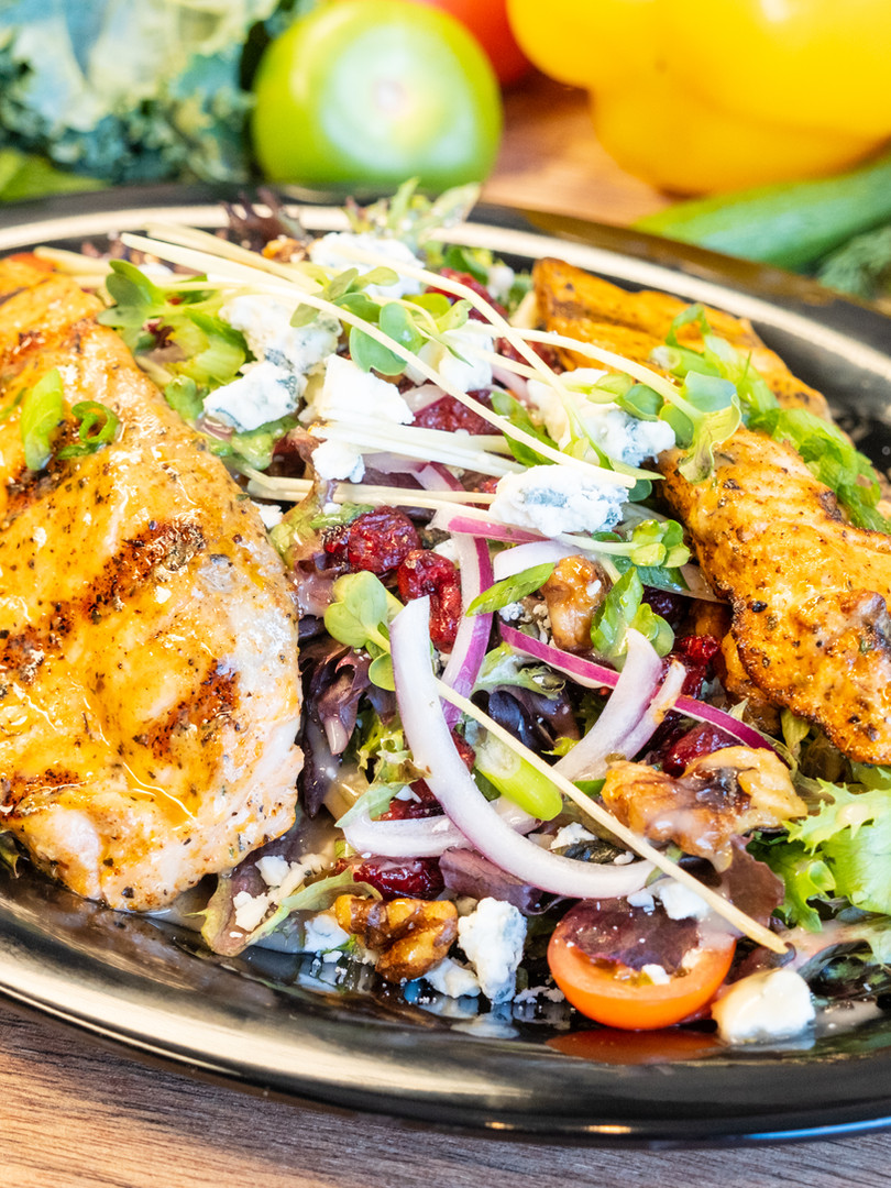 Grilled Salmon Salad_1.jpg