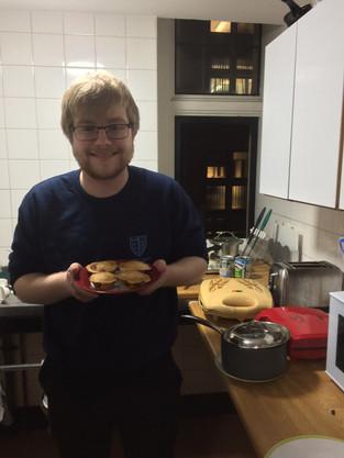 Tasha Tries: Pie Society & GP Ceilidh