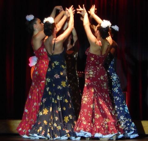 Flamenco%20Dancers_edited.jpg