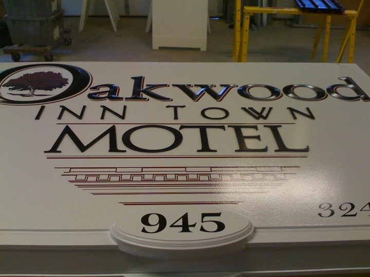 Oakwood Inn Town Motel