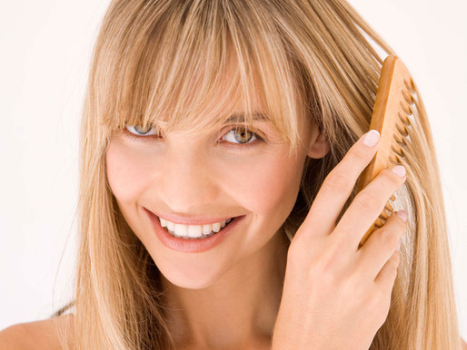 Consejos para cuidar tu peluca de cabello natural