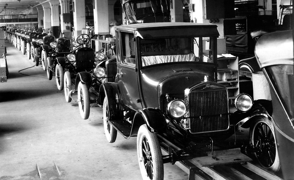 1926-ford-model-t-assembly-line.jpg