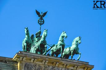 Brandenburg Gate 3.jpg