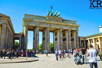 Brandenburg Gate 2.jpg