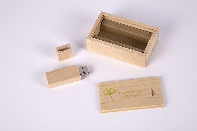 usb chiavetta legno matrimonio Como