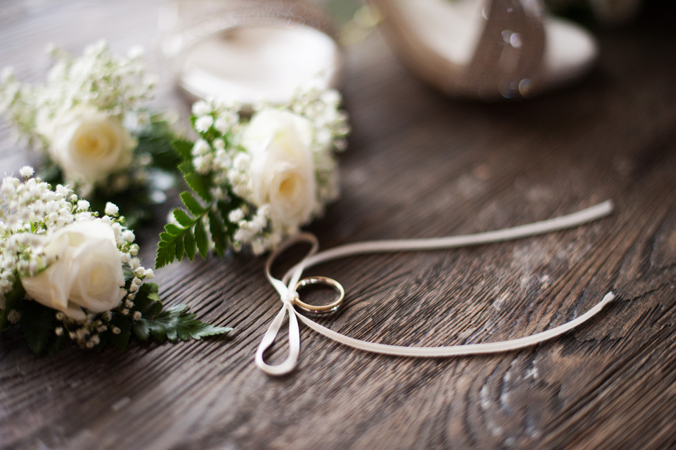 le fedi sono parte integrante del vostro matrimonio, studio fotografico macro di Canzo saprà regalavi scatti incantevoli  dei dettagli devo vostro matrimonio, fotografo di matrimonio a Como