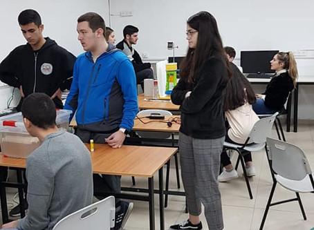 """פרויקט הכספות הבינלאומי לתלמידי פיזיקה כיתות י""""ב"""
