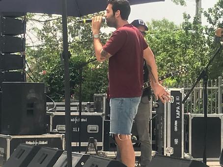 נצ'י נצ' בהופעה לתלמידי בן צבי