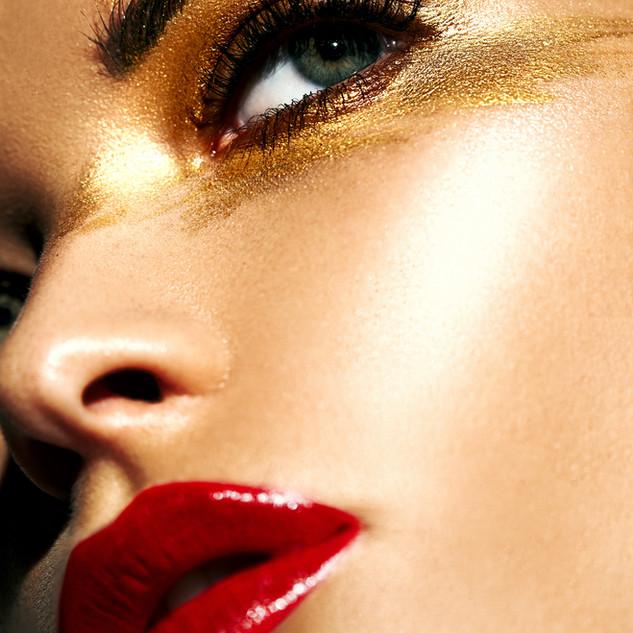 Ojos de oro
