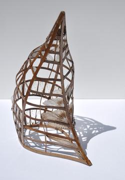 Giulia Berra, senza titolo, 2013, legno, colla, ali di insetto, 18x27,5x10,8 cm circa