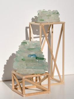 Giulia Berra, Terramare, legno, colla, pietre marine, circa 11,5x7,5x6,5 cm e circa 17,5x6x6,3 cm  2