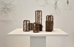 città_di_spine,_legno,_colla,_spine,_dimensioni_variabili,_2010