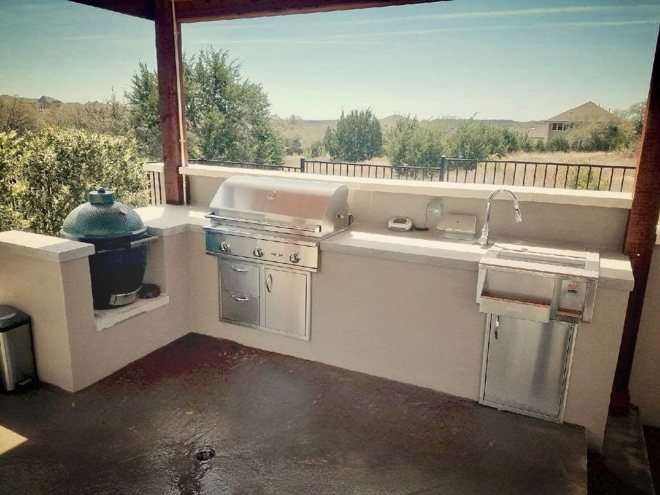 Outdoor Kitchen - Stucco