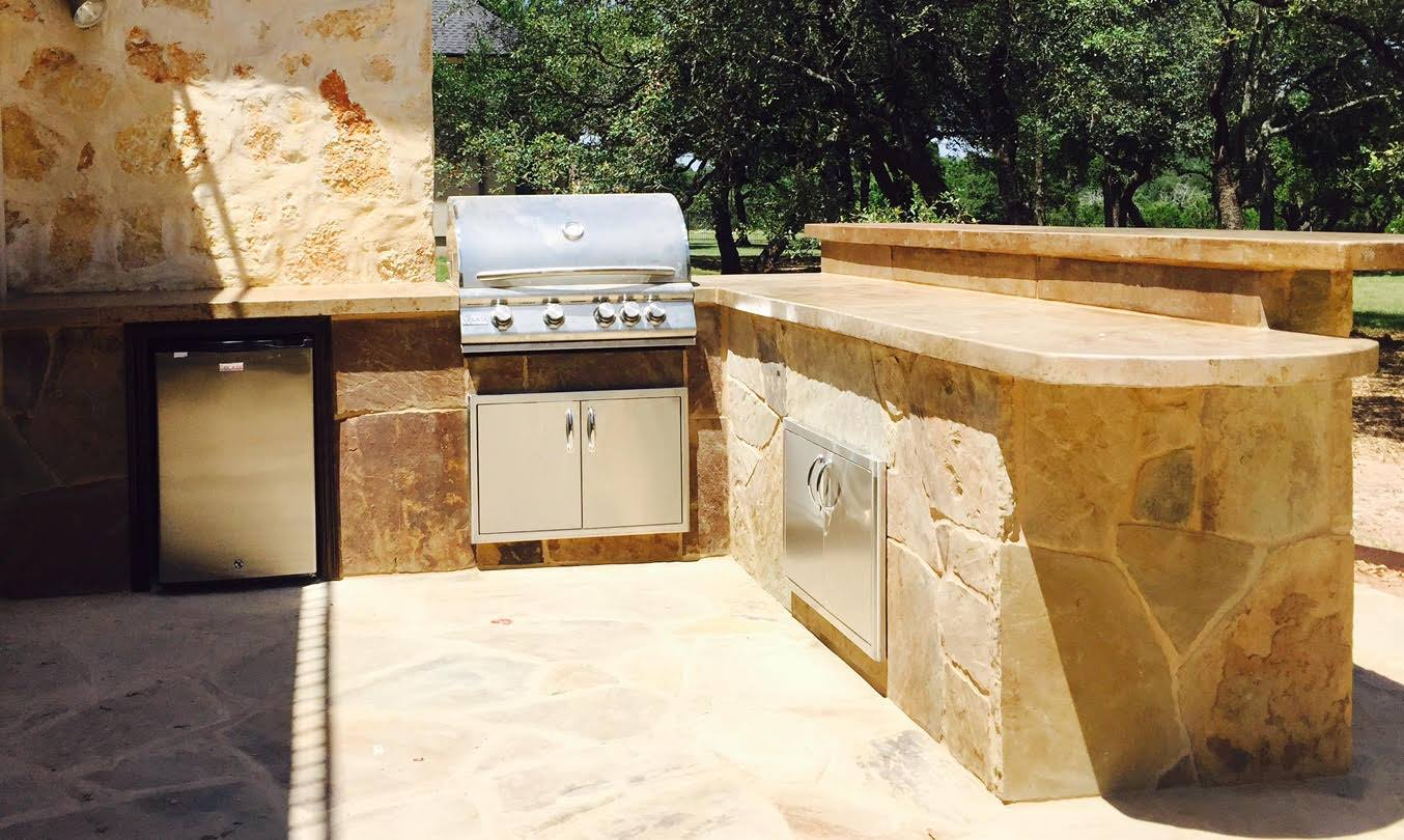 Outdoor Kitchen  - Flagstone