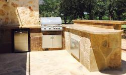 Outdoor Kitchen  - Flagstone