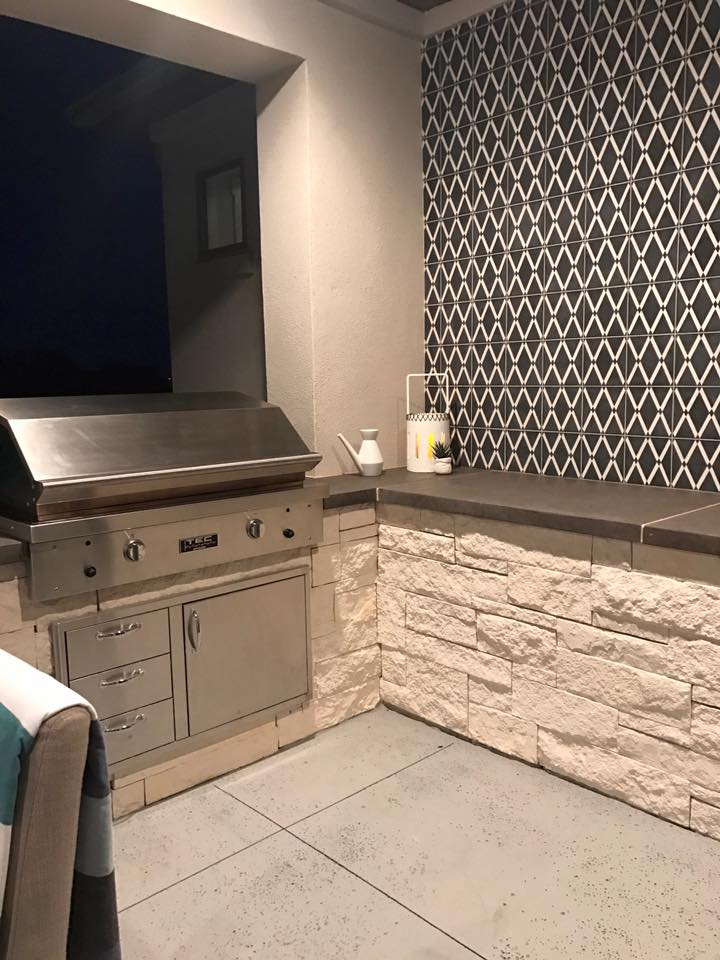 Outdoor Kitchen and backsplash