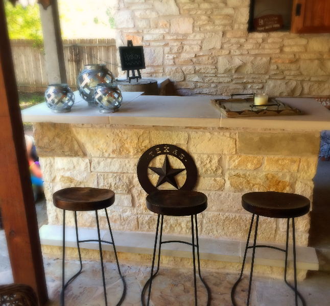 Limestone Outdoor Kitchen / Bar area